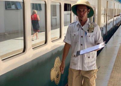 اقدم قطار بخاري بصباح نصف يوم من المتعة (10)