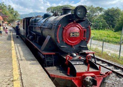 اقدم قطار بخاري بصباح نصف يوم من المتعة (15)