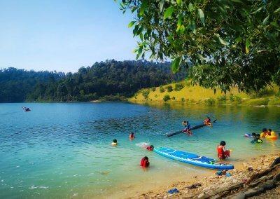 التنزه عند بحيرة Rimba Bayu (1)