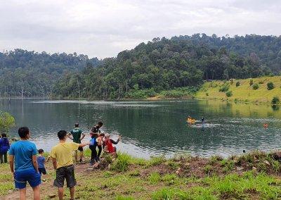 التنزه عند بحيرة Rimba Bayu (11)