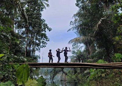 التنزه عند بحيرة Rimba Bayu (15)