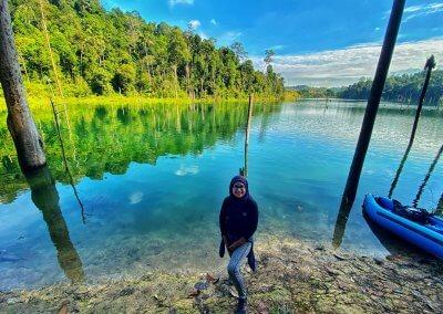 التنزه عند بحيرة Rimba Bayu (3)