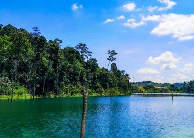 التنزه عند بحيرة Rimba Bayu (4)