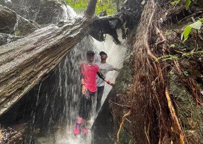 التنزه عند بحيرة Rimba Bayu (6)