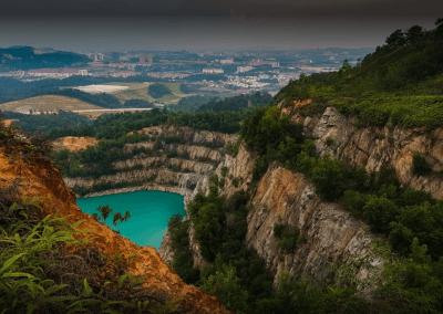 بحيرة بلون فيروزي في سيلانجور (1)