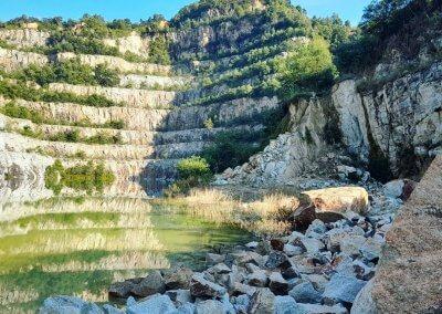 بحيرة بلون فيروزي في سيلانجور (10)