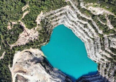 بحيرة بلون فيروزي في سيلانجور (2)