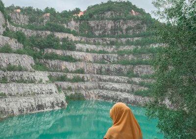 بحيرة بلون فيروزي في سيلانجور (5)