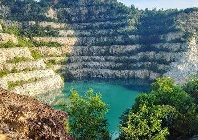 بحيرة بلون فيروزي في سيلانجور (9)