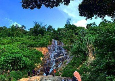 شلال نهر الغزلان المخفي في جزيرة بينانج (1)