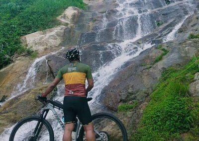 شلال نهر الغزلان المخفي في جزيرة بينانج (15)