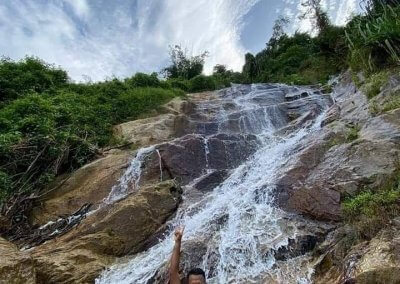 شلال نهر الغزلان المخفي في جزيرة بينانج (7)