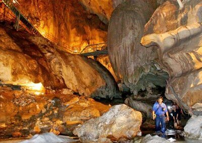 كهف عمره 400 مليون سنة في ماليزيا (19)