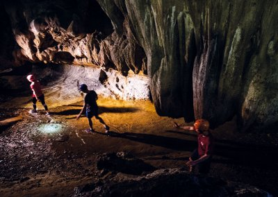 كهف عمره 400 مليون سنة في ماليزيا (21)