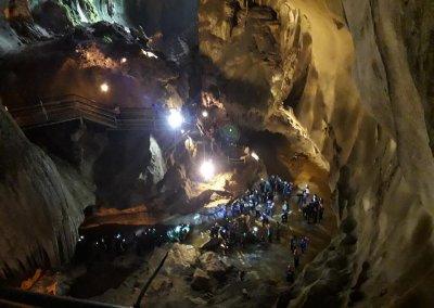 كهف عمره 400 مليون سنة في ماليزيا (8)
