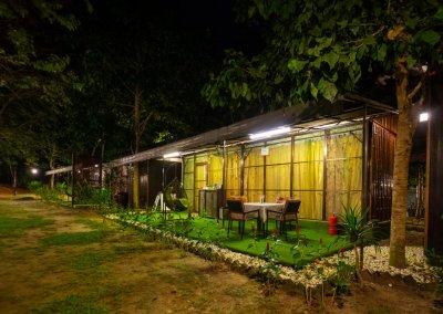 مكان جديد لمحبي التخييم في الغابات (18)