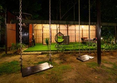 مكان جديد لمحبي التخييم في الغابات (19)
