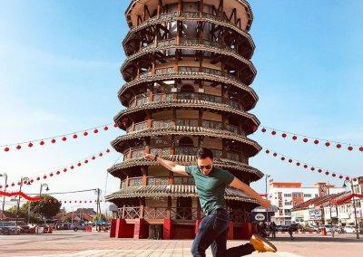 هل تعلم ان ماليزيا لديها برج بيزا المائل ايضا (3)