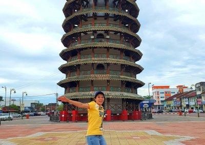 هل تعلم ان ماليزيا لديها برج بيزا المائل ايضا (9)