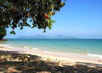 شاطئ الجماجم البيضاء المخفي في لنكاوي (1)