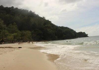 شاطئ الجماجم البيضاء المخفي في لنكاوي (10)