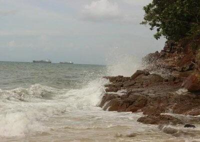 شاطئ الجماجم البيضاء المخفي في لنكاوي (13)