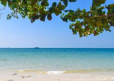 شاطئ الجماجم البيضاء المخفي في لنكاوي (2)