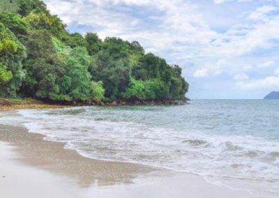 شاطئ الجماجم البيضاء المخفي في لنكاوي (37)