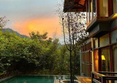 فندق داخل غابة يبعد ساعه عن كوالالمبور (3)