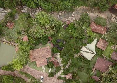 فيلا تقع في اعماق الغابات الاستوائية (20)