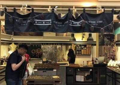 لمحبي التراث اليكم مقهى يحاكي الطراز القديم (14)
