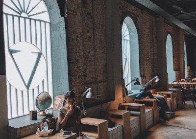 لمحبي التراث اليكم مقهى يحاكي الطراز القديم (24)