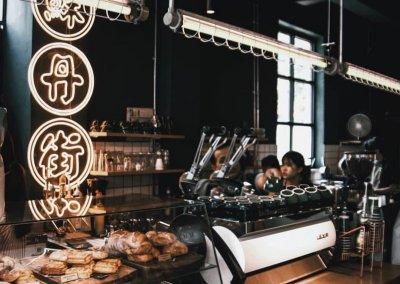 لمحبي التراث اليكم مقهى يحاكي الطراز القديم (26)
