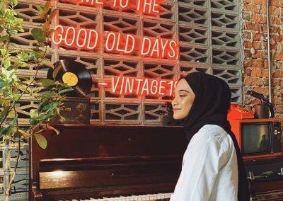 لمحبي التراث اليكم مقهى يحاكي الطراز القديم (3)
