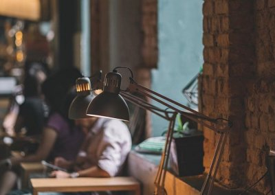 لمحبي التراث اليكم مقهى يحاكي الطراز القديم (30)