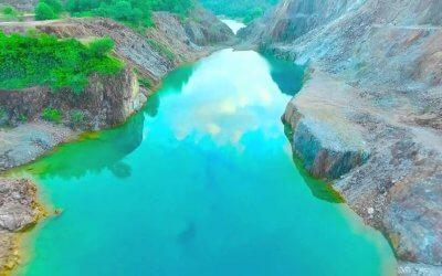 منجم ذهب الى بحيرة زرقاء في ترينجانو