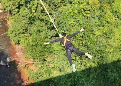 هل تملك الشجاعة الكافيه لهذا النوع من القفز (12)