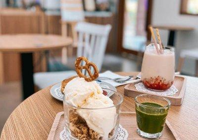 16. Aki's Kohi – Japanese-inspired cafe serving matcha affogato and strawberry latte Address: Lot 2-00-07, D'alamanda Shop Lot, Jalan Pudu Impian 4, Cheras, 56100 Kuala Lumpur Opening hours: Thu – Tue 9.30AM-5.30PM (Closed on Wednesdays) Telephone: 016-301 8087