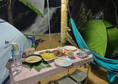 التخييم عند شلال مخفي في غابة جوهور (1)
