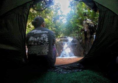 التخييم عند شلال مخفي في غابة جوهور (3)