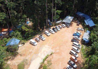 التخييم عند شلال مخفي في غابة جوهور (7)