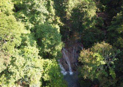 التخييم عند شلال مخفي في غابة جوهور (9)
