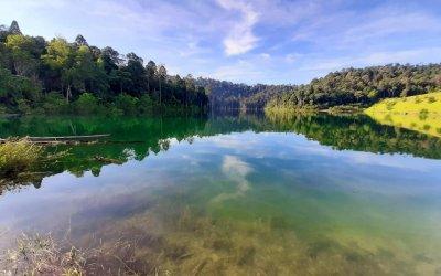 بحيرة المرآة في شاه علم